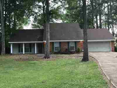 Hinds County Single Family Home Contingent/Pending: 4951 Forest Hill Rd
