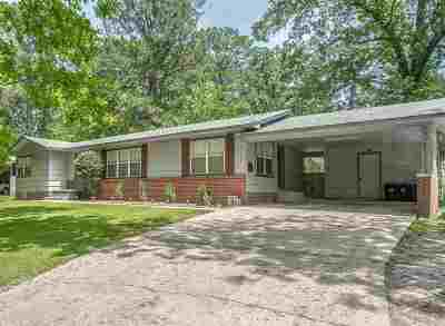 Hinds County Single Family Home Contingent/Pending: 2136 Oakhurst Dr