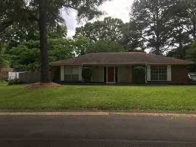 Madison County Single Family Home Contingent/Pending: 445 Cedar Bluff Trl