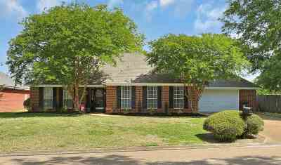 Flowood Single Family Home Contingent/Pending: 609 Olympic Dr