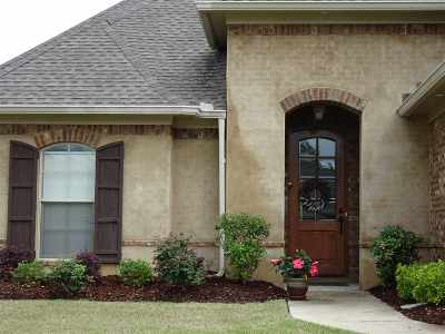 Flowood Single Family Home Contingent/Pending: 208 Bellamy Ct