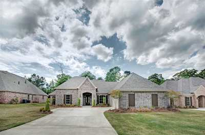 Brandon Single Family Home For Sale: 513 Devereaux Dr