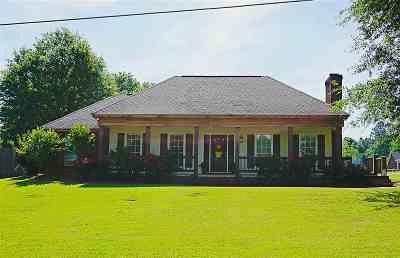 Carthage Single Family Home For Sale: 1000 N Jordan St