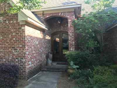 Ridgeland Single Family Home For Sale: 215 Rue Beau Chene