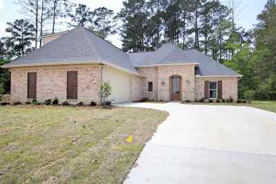 Flowood Single Family Home Contingent/Pending: 328 Royal Pond Circle