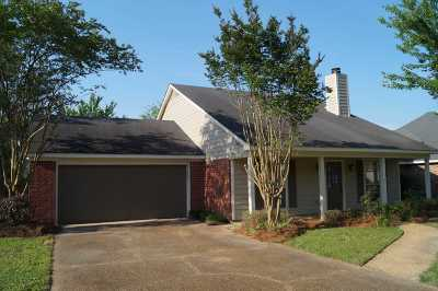 Flowood Single Family Home Contingent/Pending: 6021 Maplewood Dr