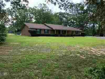 Scott County Single Family Home Contingent/Pending: 7989 Hwy 13 Hwy