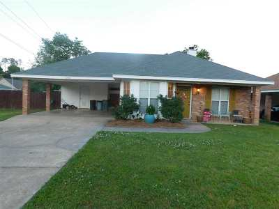 Pearl Single Family Home Contingent/Pending: 250 Village Cv