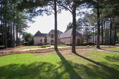 Madison Single Family Home For Sale: 127 Katherine Pointe Dr