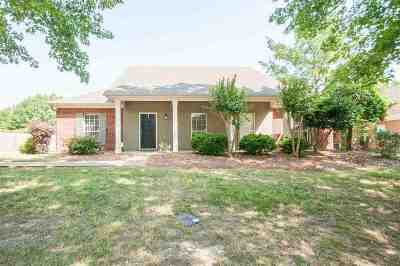 Madison County Single Family Home Contingent/Pending: 540 Springhill Dr