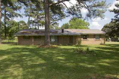 Single Family Home For Sale: 1028 Greenfield Cir