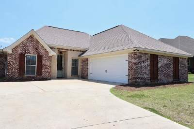 Single Family Home For Sale: 224 Greenfield Crossing