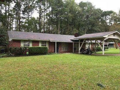 Scott County Single Family Home Contingent/Pending: 108 S Pine Ridge Dr
