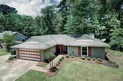 Brandon Single Family Home Contingent/Pending: 185 Bellegrove Cir