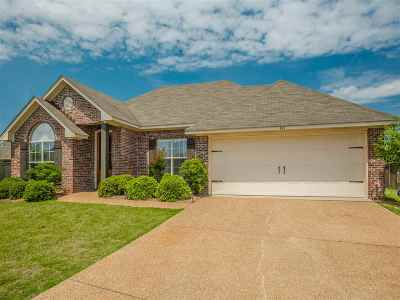 Madison County Single Family Home Contingent/Pending: 107 Wellesley Dr