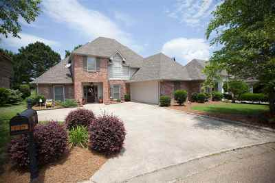 Lake Caroline Single Family Home For Sale: 109 Links Cv