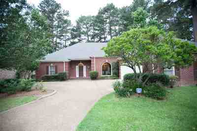 Ridgeland Single Family Home For Sale: 611 Wendover Way