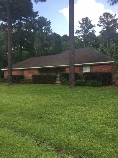 Madison County Single Family Home For Sale: 104 Harbor Rd