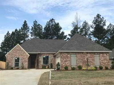 Lake Caroline Single Family Home For Sale: 134 Hampton Ridge