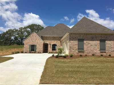 Madison County Single Family Home For Sale: 133 Camden Lake Dr