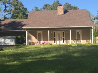 Single Family Home For Sale: 240 River Hill Rd