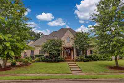 Madison Single Family Home For Sale: 134 Fenwick Cir