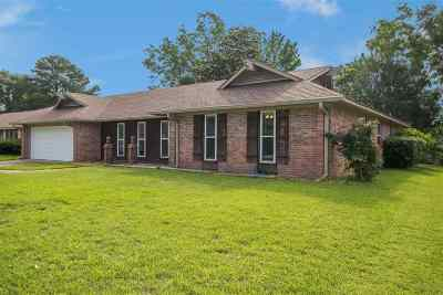 Clinton Single Family Home Contingent/Pending: 115 Easthaven Dr