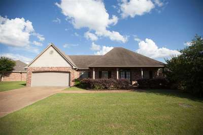 Canton Single Family Home Contingent/Pending: 162 Harvey Crossing Dr