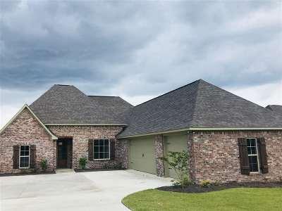 Lake Caroline Single Family Home For Sale: 100 Camden Trail