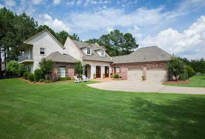 Madison Single Family Home For Sale: 285 Lake Village Dr