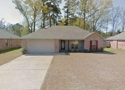 Byram Single Family Home Contingent/Pending: 220 Winchester St