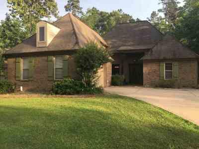 Brandon Single Family Home For Sale: 108 Winchester Ln