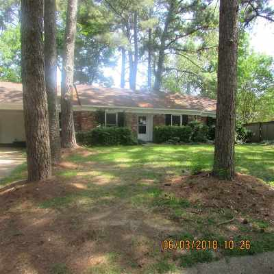 Clinton Single Family Home Contingent/Pending: 1013 Andover St