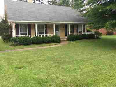 Byram Single Family Home For Sale: 411 Riverbend Dr