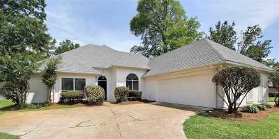 Ridgeland Single Family Home Contingent/Pending: 401 Harewood Pl