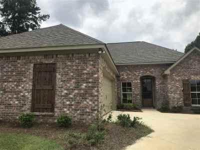 Lake Caroline Single Family Home For Sale: 119 Hampton Pl