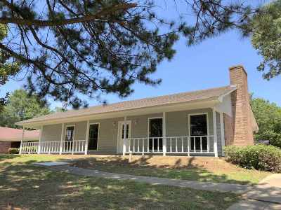 Ridgeland Single Family Home Contingent/Pending: 704 Greenfield Dr