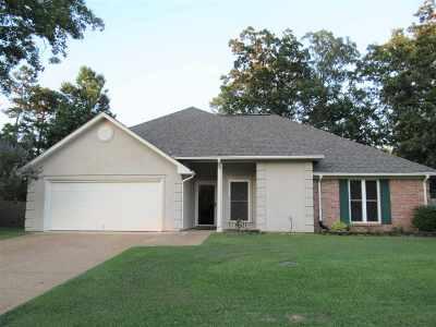 Brandon Single Family Home Contingent/Pending: 108 Post Oak Dr
