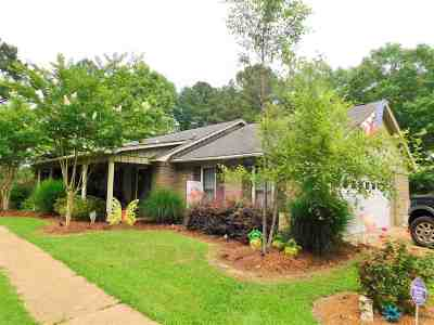Carthage MS Single Family Home For Sale: $184,000