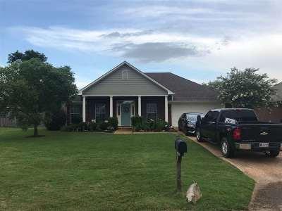 Brandon Single Family Home Contingent/Pending: 214 Cherry Bark Dr