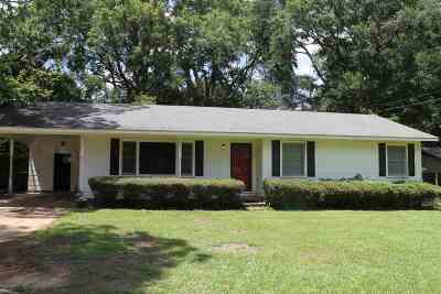 Canton Single Family Home Contingent/Pending: 425 E Dinkins St