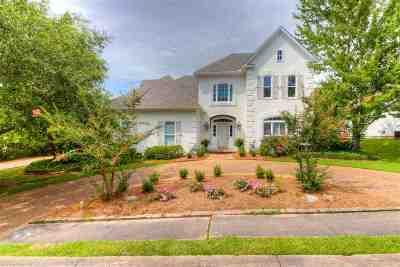 Madison Single Family Home Contingent/Pending: 103 Farrington Pl