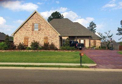 Brandon Single Family Home For Sale: 823 Osagian Cir.