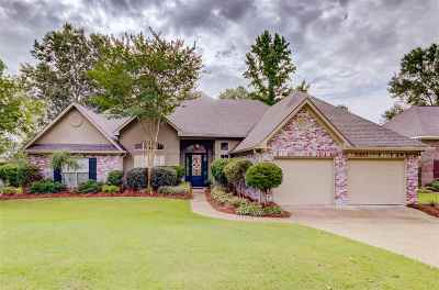 Clinton Single Family Home For Sale: 135 Bellemeade Trace