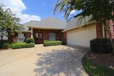 Canton Single Family Home For Sale: 124 Jorn Cir