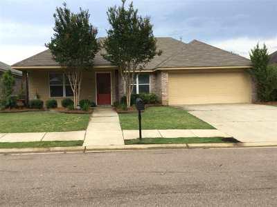 Florence, Richland Single Family Home Contingent/Pending: 611 Lexington Dr