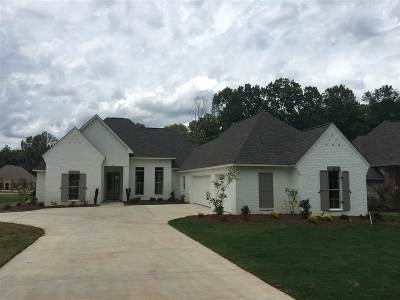 Madison Single Family Home For Sale: 255 Grayhawk Dr