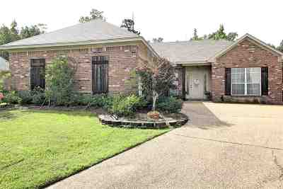 Rankin County Single Family Home For Sale: 476 Pinebrook Cir
