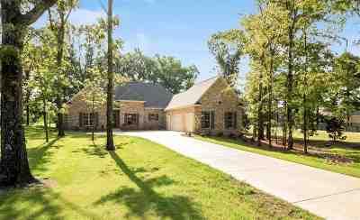 Madison Single Family Home For Sale: 100 Eagle Cv