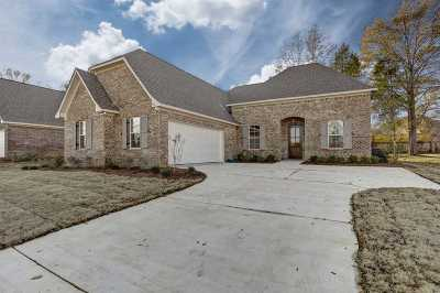 Canton Single Family Home For Sale: 150 Sweetbriar Cir